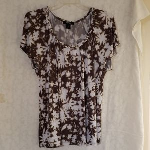 Style & Co 1X brown and white top
